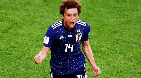 Takashi Inui with a brilliant goal to double Japans lead