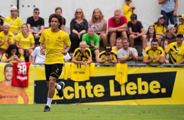 Axel Witsel signs for BVB