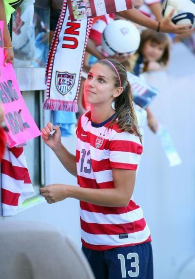 alex morgan 3 goals against japn