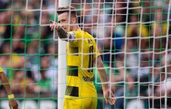 Werder_Bremen_1_-_1_Borussia_Dortmund_2018.jpg