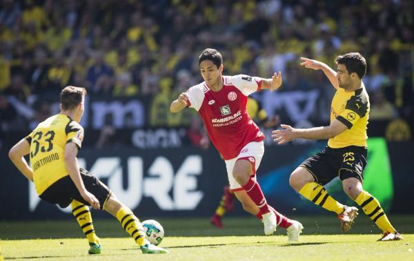 Yoshinori_Muto_vs_Borussia_Dortmund_goal.jpg