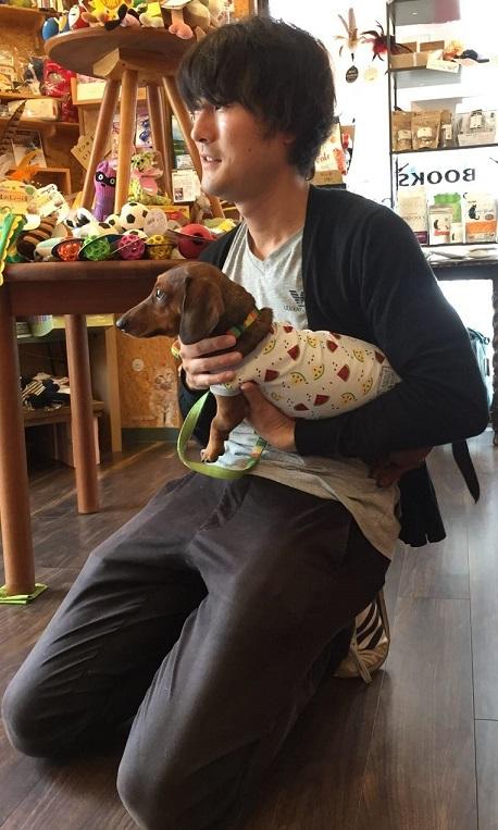犬の日_抱っこもトレーニングの一環