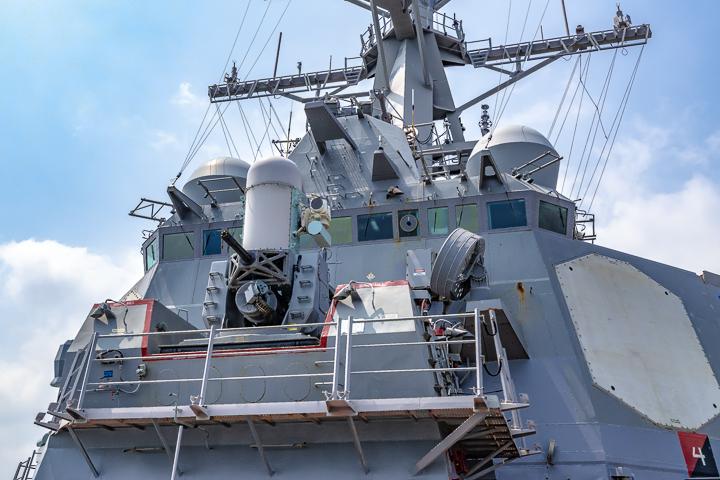 海上自衛隊 吉倉桟橋 DDG-65 USS Benfold アメリカ海軍 アーレイ・バーク級ミサイル駆逐艦15番艦ベンフォールド Phalanx CIWS 艦橋構造物