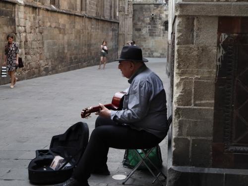 街角のギター弾き