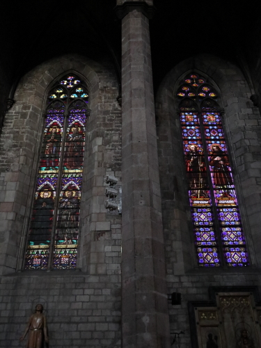 サンタマリア内部ステンドグラス