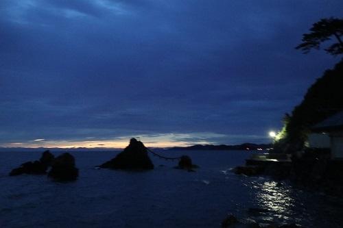 夫婦岩夜明け前