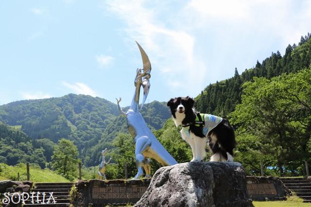 小谷村恐竜モニュメント