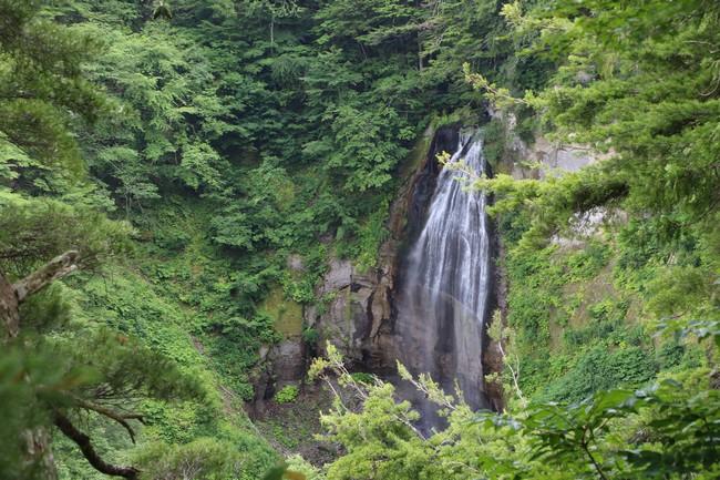 モーカケの滝