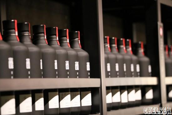 貯蔵庫の中のメモリアル焼酎