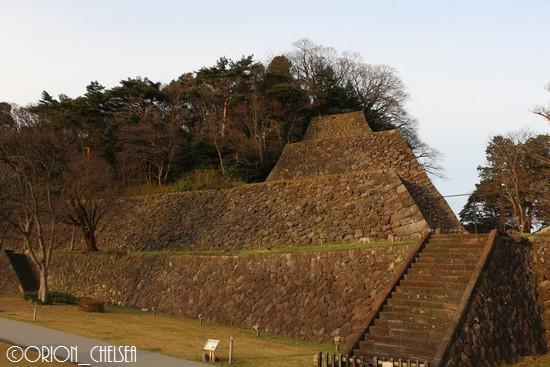 金沢城址_本丸南面の高石垣