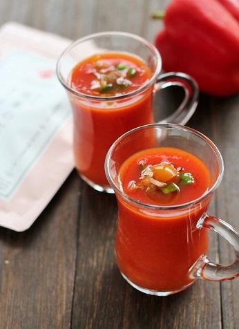 パプリカのだし冷製スープ2