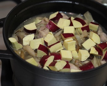 さつま芋炊き込みご飯鍋