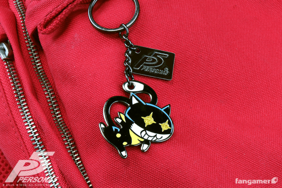 product_P5_morgana_keychain_photo1_1024x1024.png