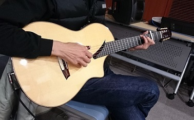 奥谷君のnewギター