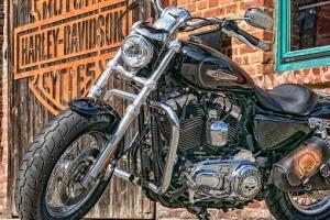 motorcycle-2529593__340.jpg