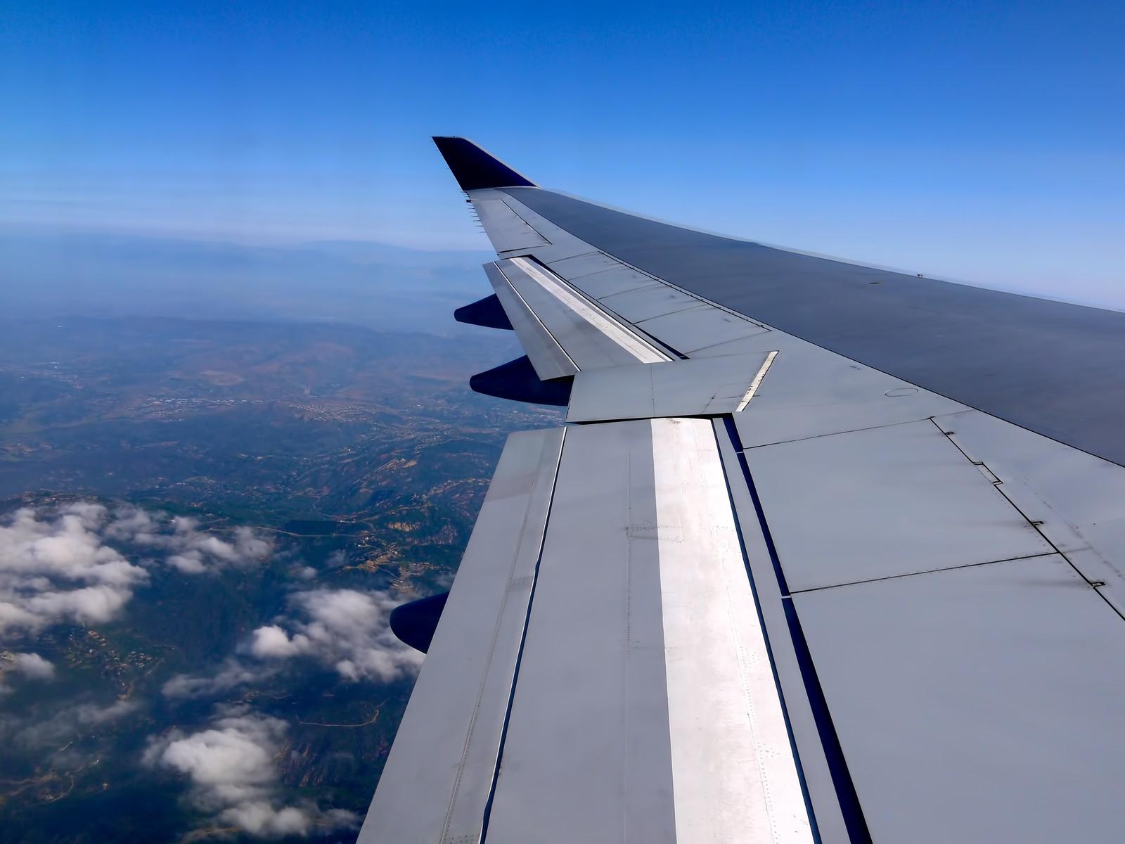 plane-wing00.jpg