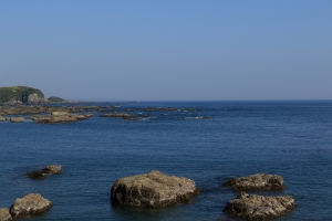 コンビニから見た海
