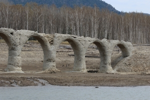 タウシュベツ川橋梁にて