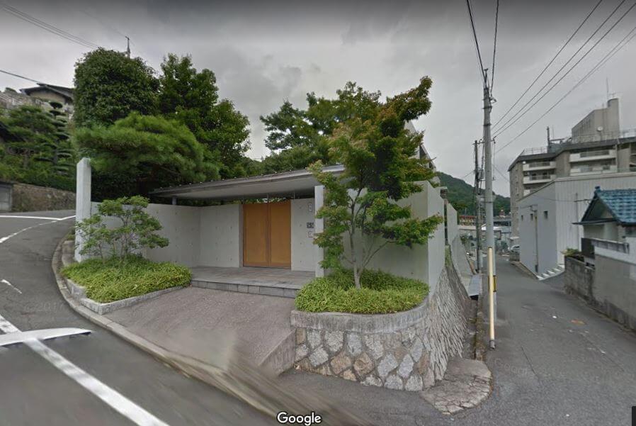 西川ゴム工業玄関