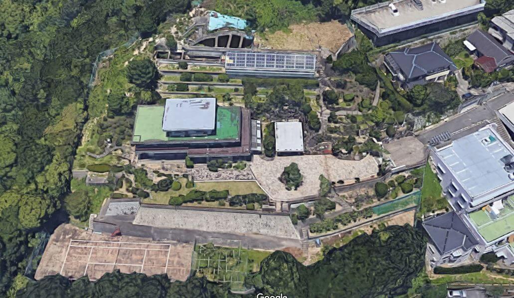 神戸市垂水区の石垣の豪邸空撮