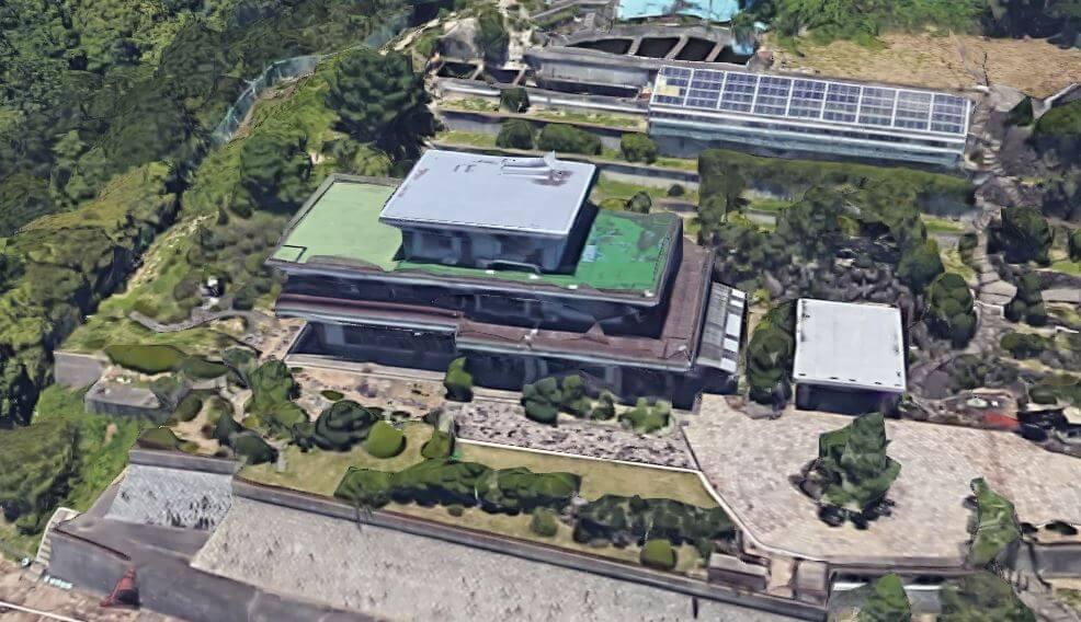 神戸市垂水区の石垣の豪邸空撮1