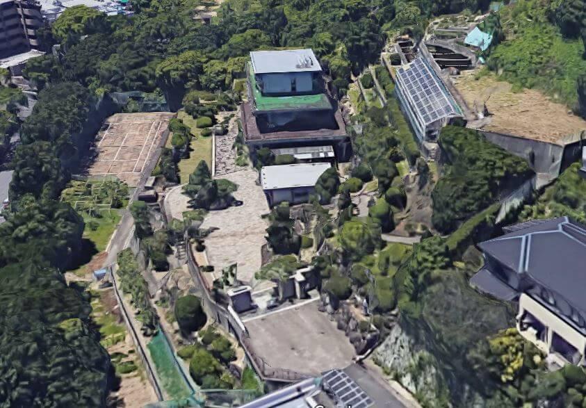 神戸市垂水区の石垣の豪邸空撮2