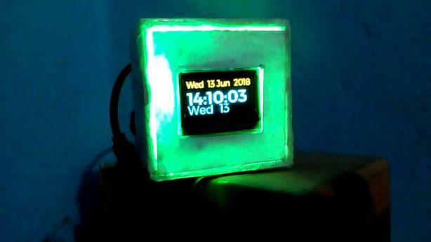 20180621a_Pi OLED Clock_01