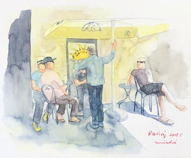 ロヴィニ黄色いカフェ