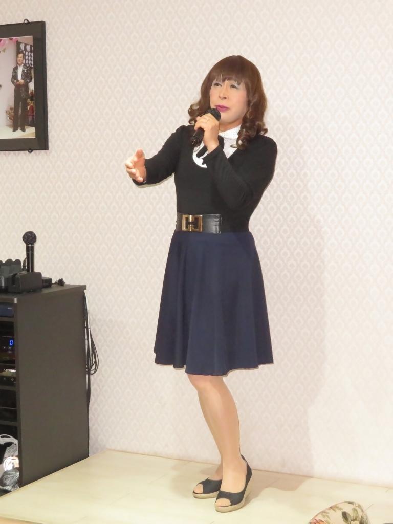 リボントップス紺フレアスカカラオケ(3)