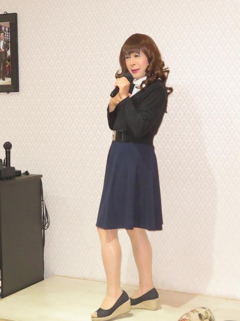 リボントップス紺フレアスカカラオケ(5)