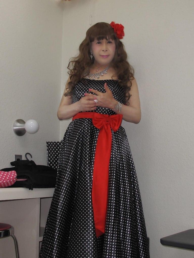 ドット柄のドレス控室(1)