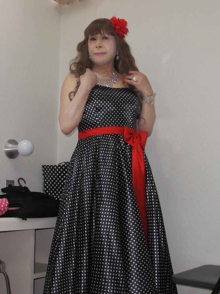 ドット柄のドレス控室(2)