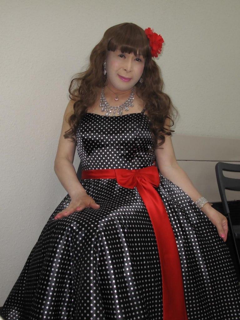 ドット柄のドレス控室(5)