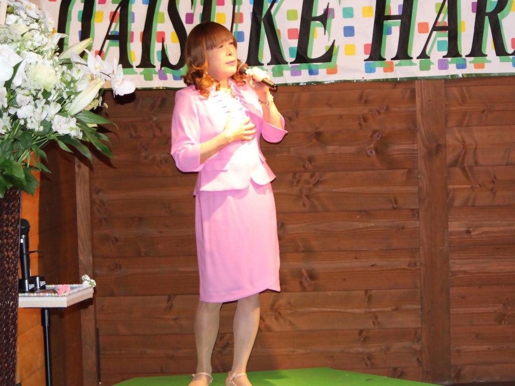 ピンクアンサンブルスーツ舞台(6)