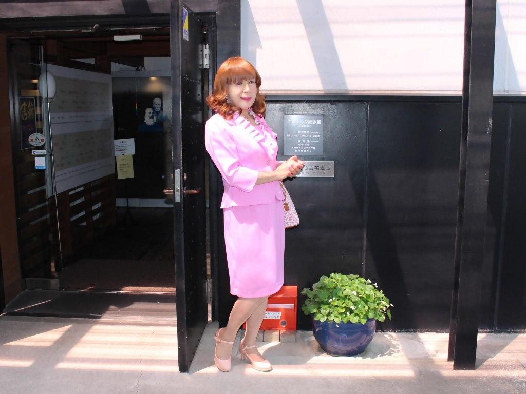 ピンクアンサンブルスーツ(5)