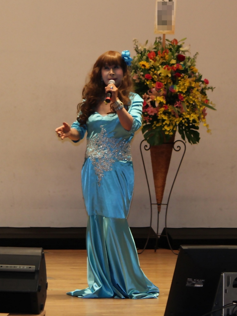 水色のドレス舞台(1)