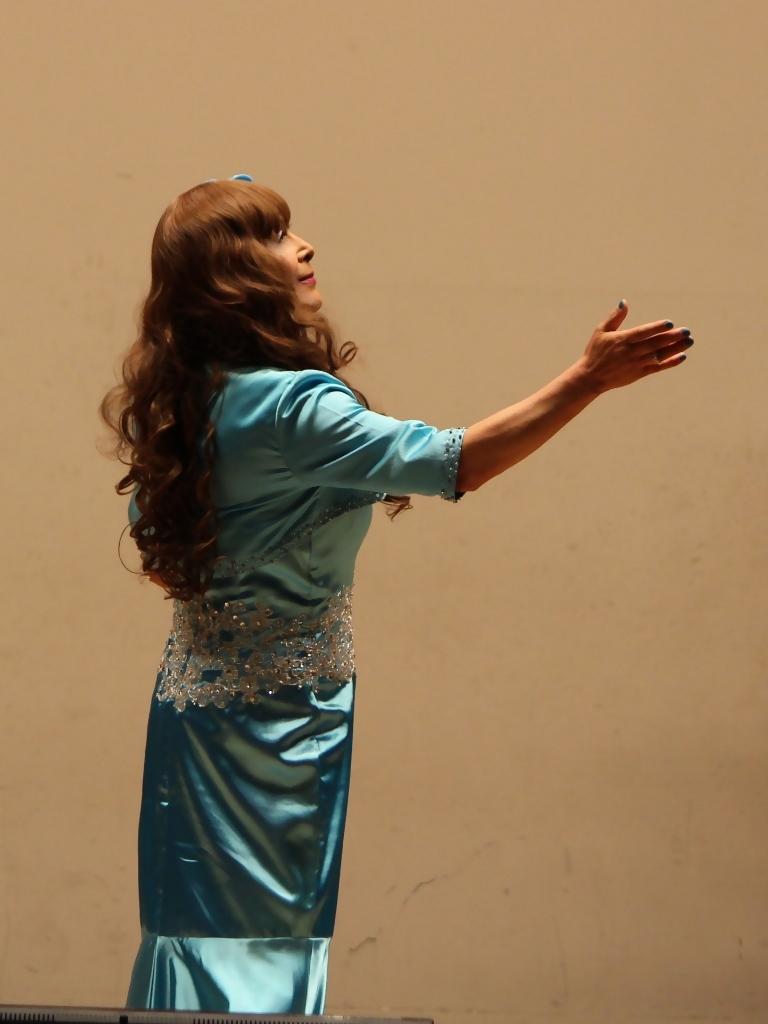 水色のドレス舞台(6)