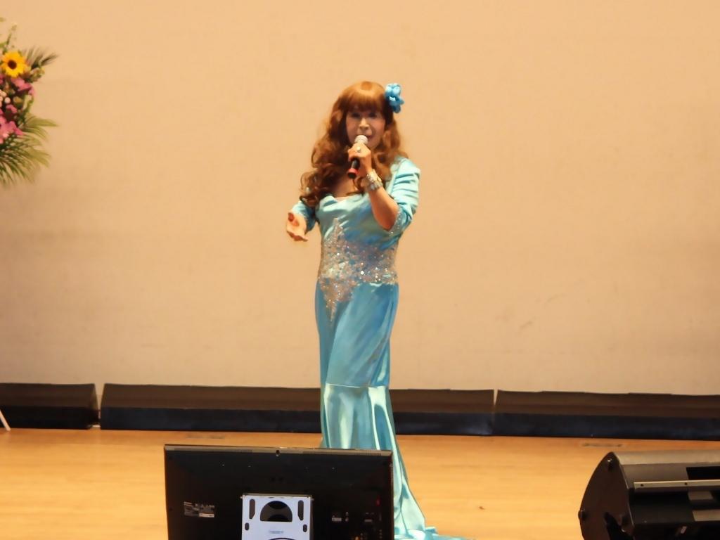 水色のドレス舞台(7)