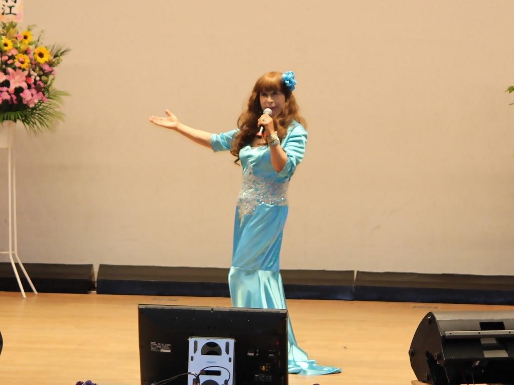 水色のドレス舞台(8)