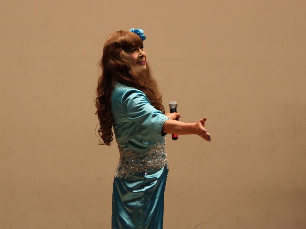 水色のドレス舞台(9)