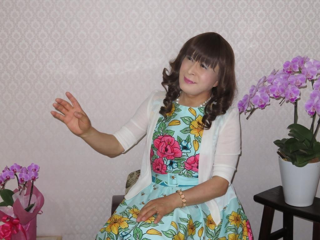 緑地に総花柄ワンピD(5)