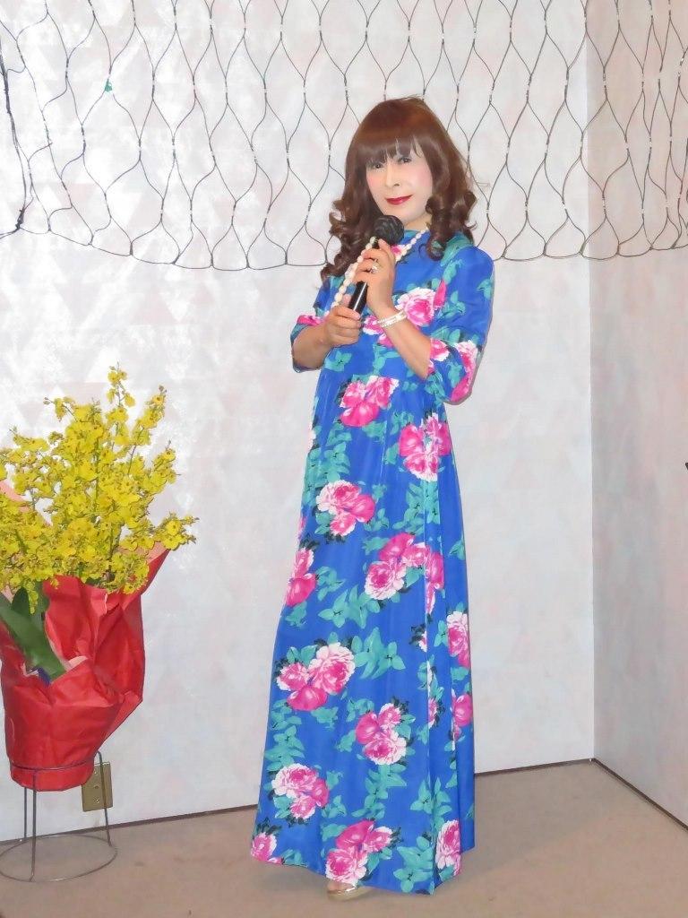 水色花柄マキシワンピカラオケ(5)