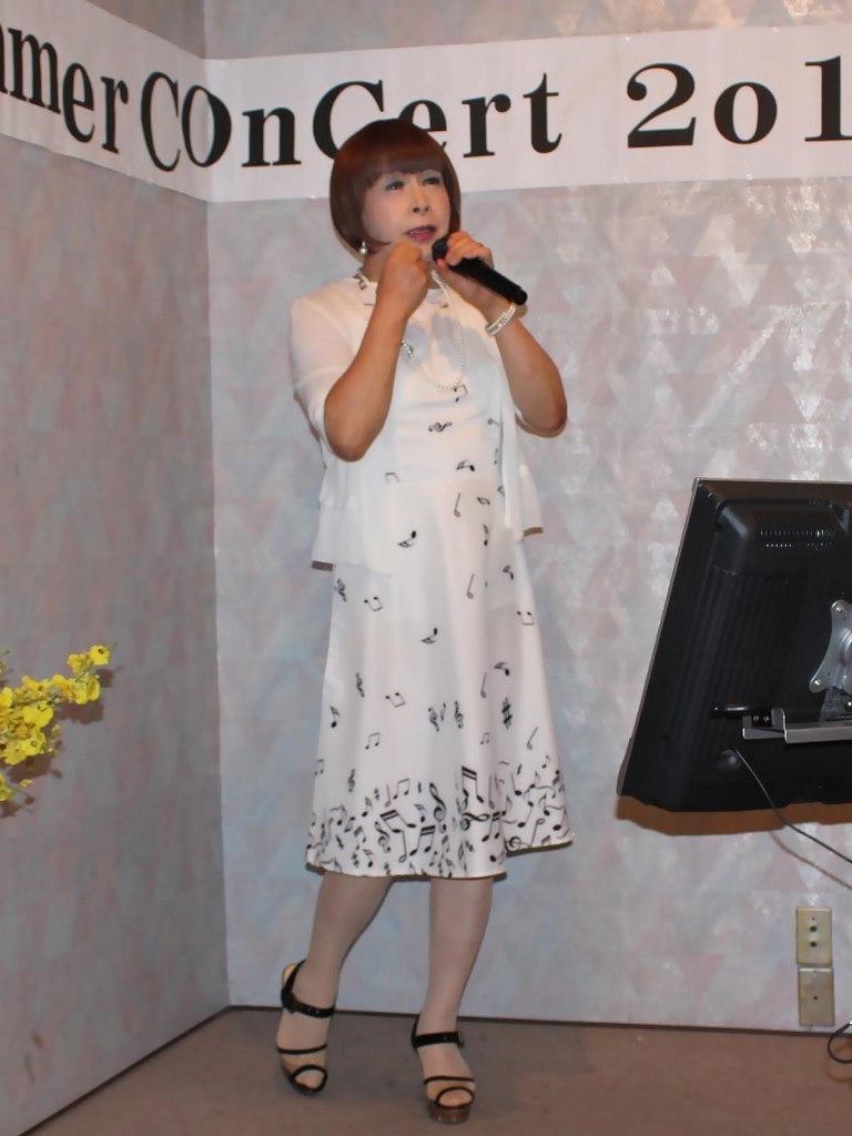 裾音符柄ワンピカラオケ(2)
