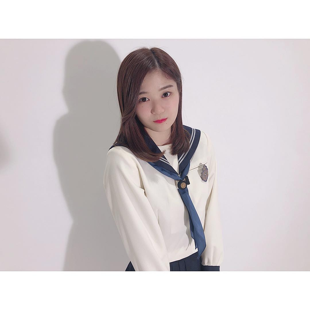 中野郁海「制服…まだいけるかな?」