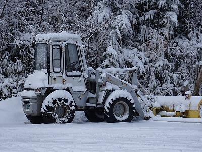 除雪車も雪まみれ