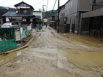 泥に沈んだ住宅地