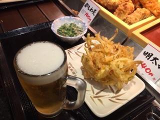 1杯目の生ビール・野菜かき揚げ・オクラ和え