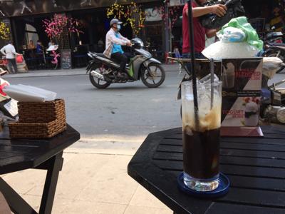 朝のベトナムコーヒー