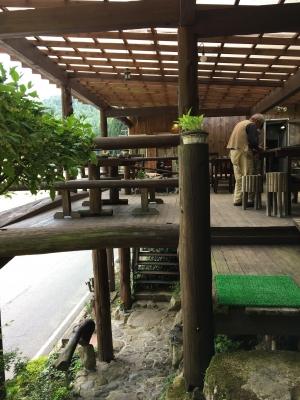 小太郎岩のカフェ
