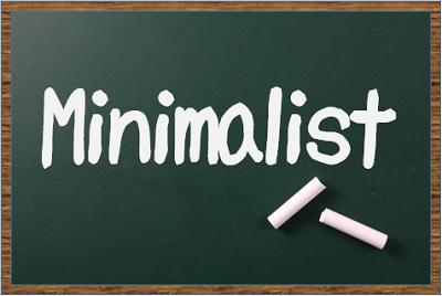 黒板にミニマリストの文字